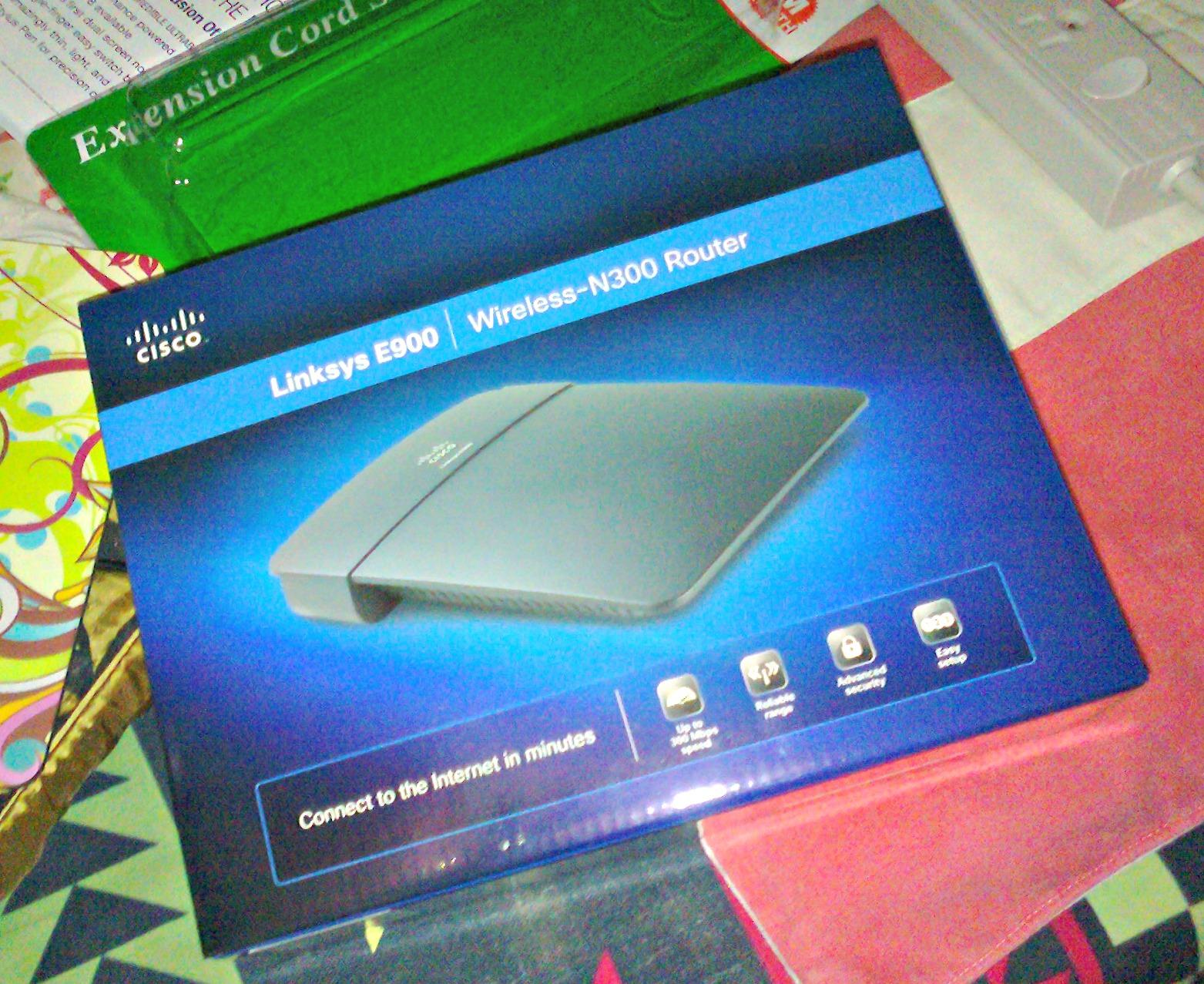 The Stellar Momi: Cisco Linksys E900 Wireless-N300 Router
