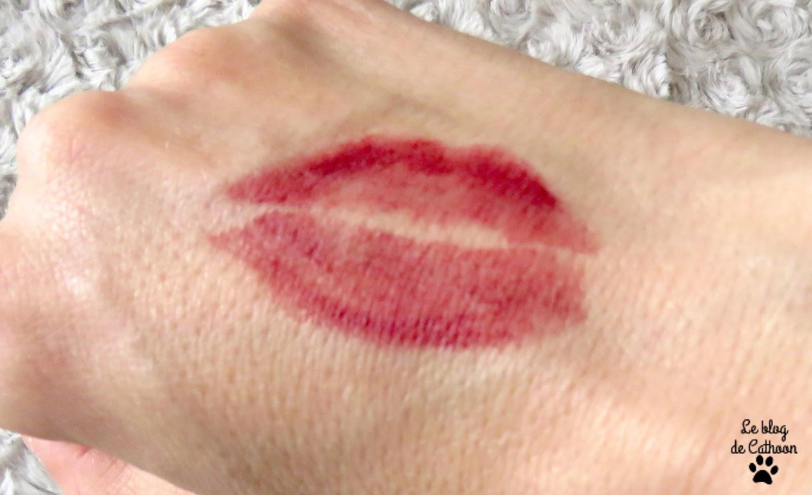 Le Crayon Rouge à Lèvres Avril, teinte Châtaigne