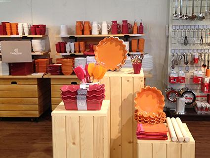 le magasin d usine emile henry marcigny les magasins d 39 usine en france. Black Bedroom Furniture Sets. Home Design Ideas
