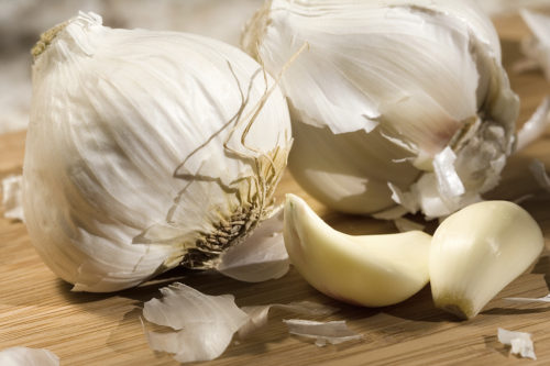 Placing Garlic Under Your Pillow Will Grant You Amazing Health Benefits! - Read Here for Details!