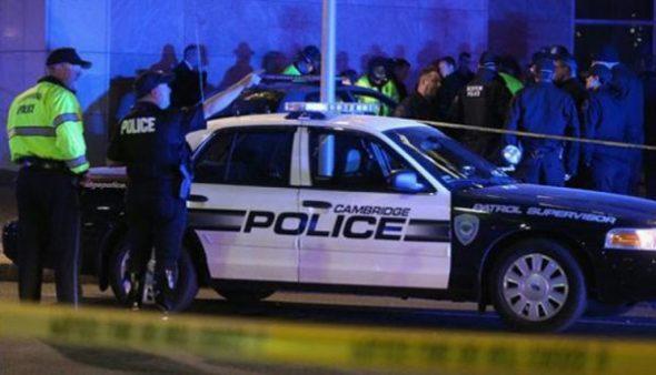 الشرطة الأمريكية تقتل أشخاص يحملون أسلحة غير حقيقية