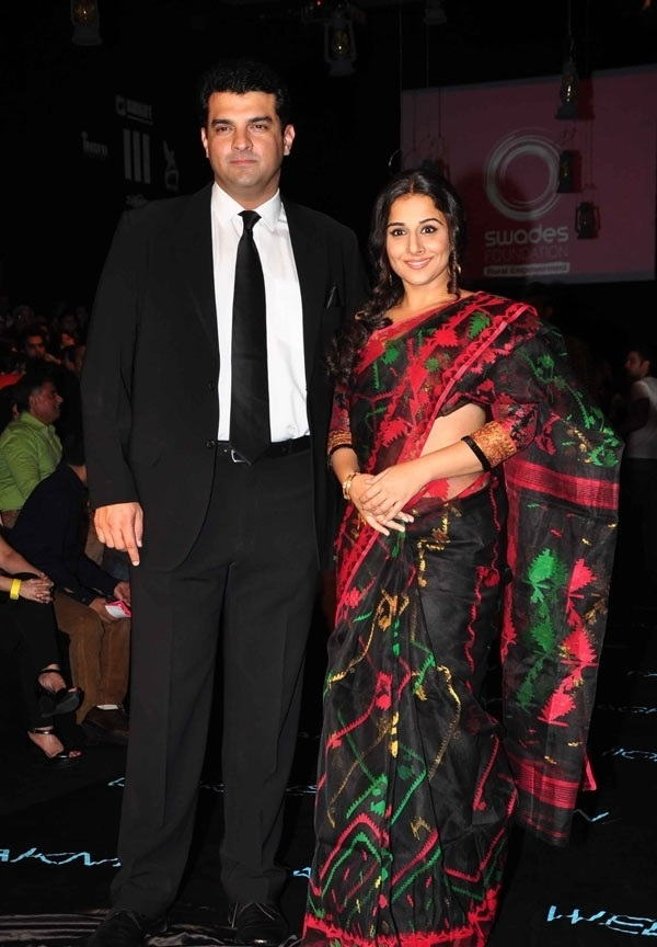 Actress Vidya Balan With Husband Siddharth Roy Photos In Black Saree