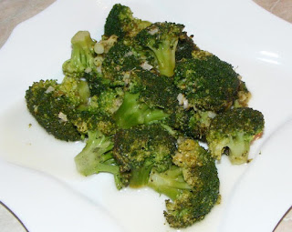 broccoli, broccoli reteta, broccoli cu usturoi ghimbir si ardei iute in sos de lamaie la tigaie, broccoli la tigaie, broccoli sote, retete vegetariene, retete, retete culinare, retete dietetice, broccoli gatit, broccoli de post, retete de post, garnituri, retete de mancare, retete sanatoase, preparate culinare, retete cu broccoli, preparate din broccoli, sanatate, dieta, cura, regim,