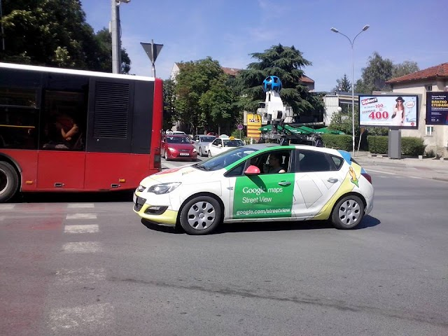 Bild des Tages - Google Street View Car in Skopje