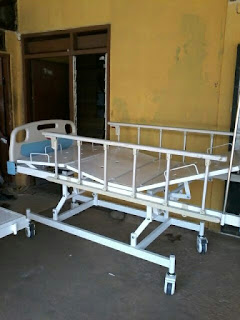 Tempat tidur rumah sakit 1 engkol