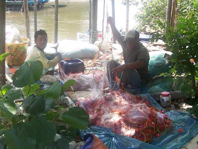 Tanjung Leman fishermen at work