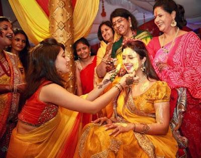 Divyanka-Tripathi-haldi