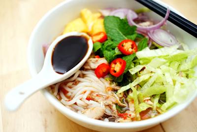 Jenis makanan ini merupakan makanan khas negara tetangga yaitu Malaysia Resep Penang Asam Laksa Rasamalaysia