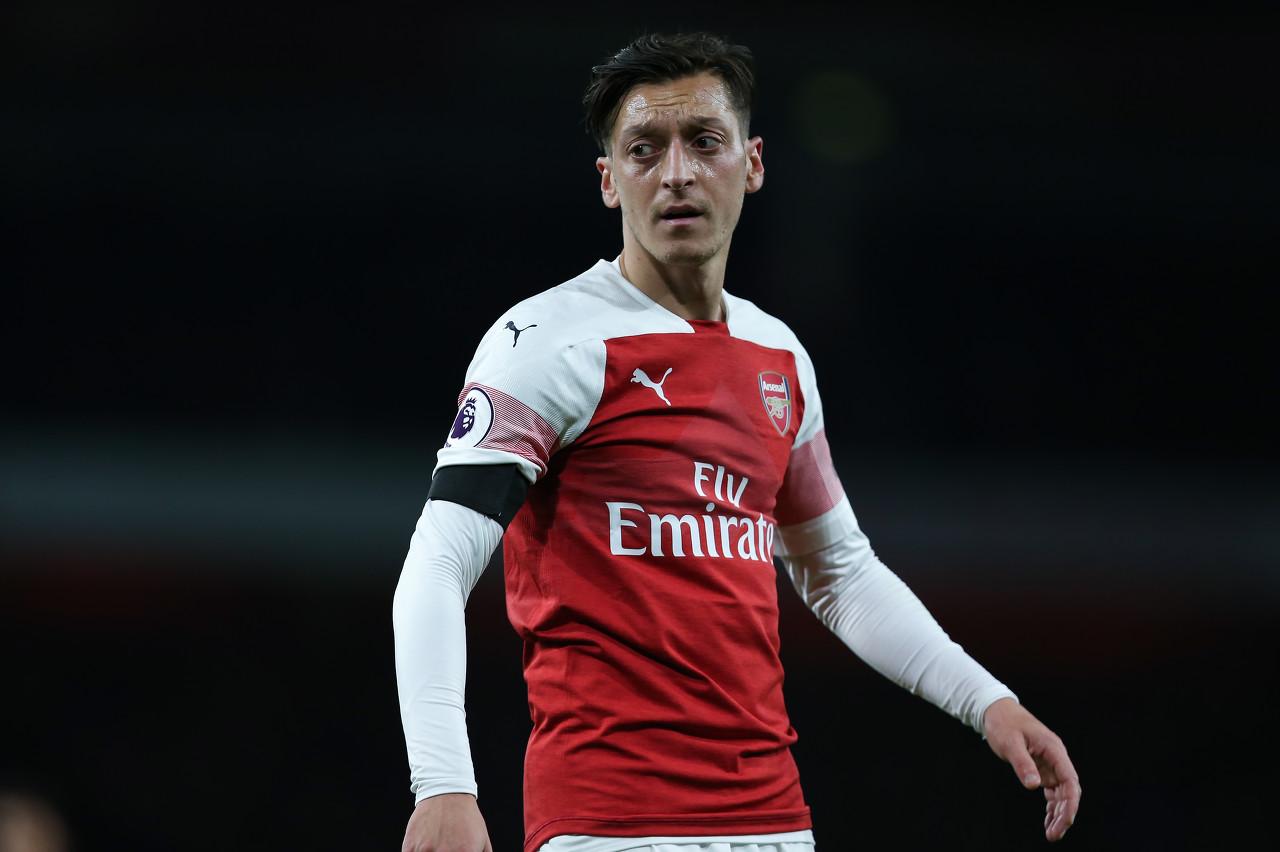 Upah Ozil Buat Ruang Ganti Arsenal Tidak Kondusif