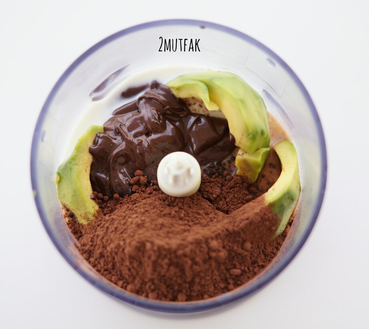 Avokadolu ve Kakaolu Mousse Tarifi