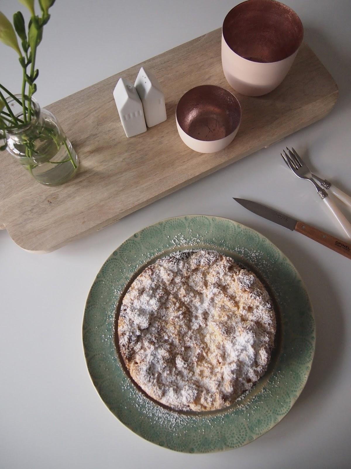 Diezuckerbackerei Rhabarber Quark Kuchen Mit Dicken Streuseln