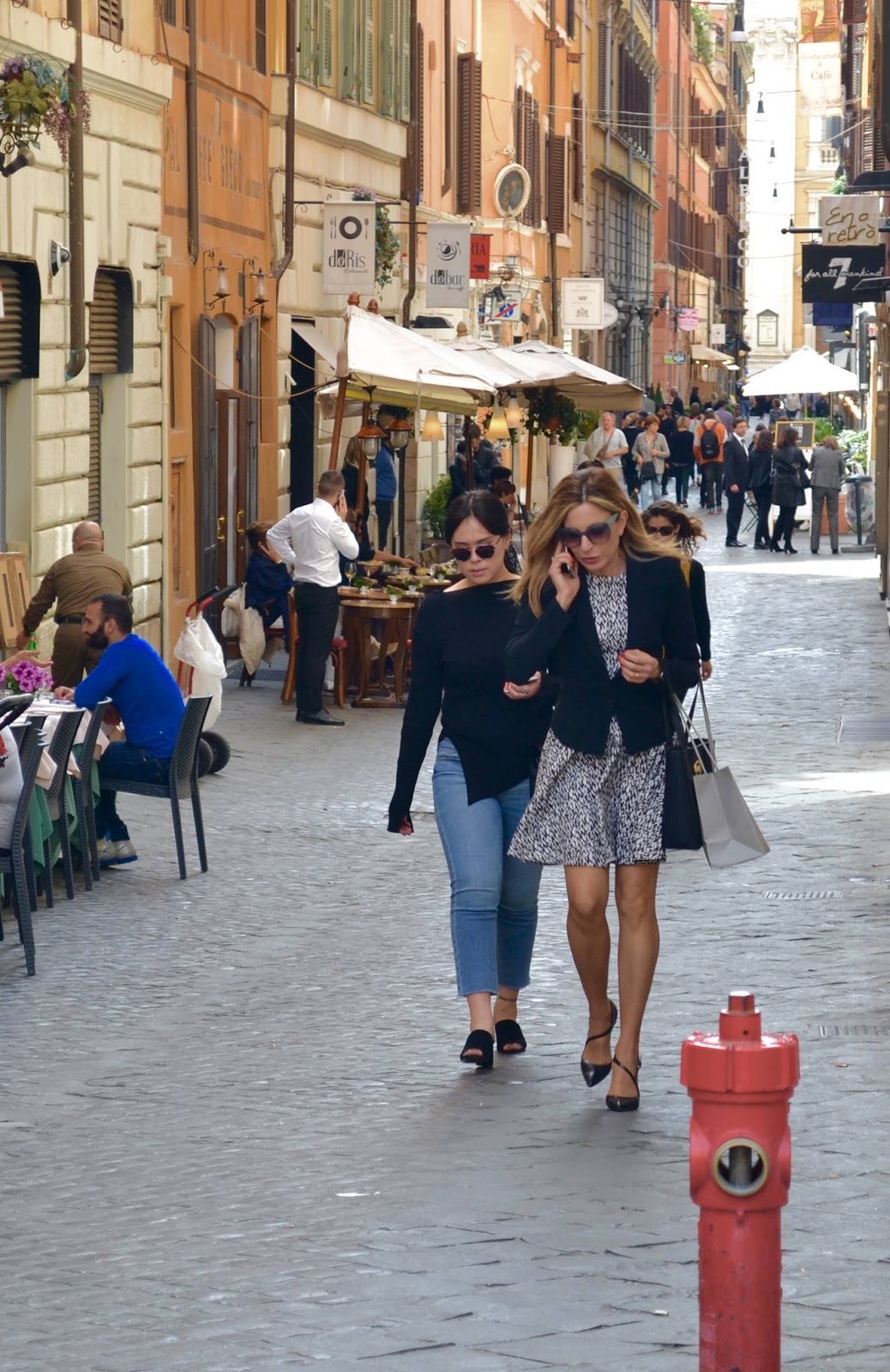 Personal Shopper And Fashion Consultant Roma Fashion On The Street