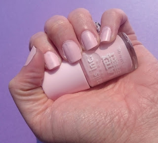 Nails Inc Latex Effect Portabello Road Swatch