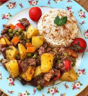 Fırın poşetinde sebzeli et