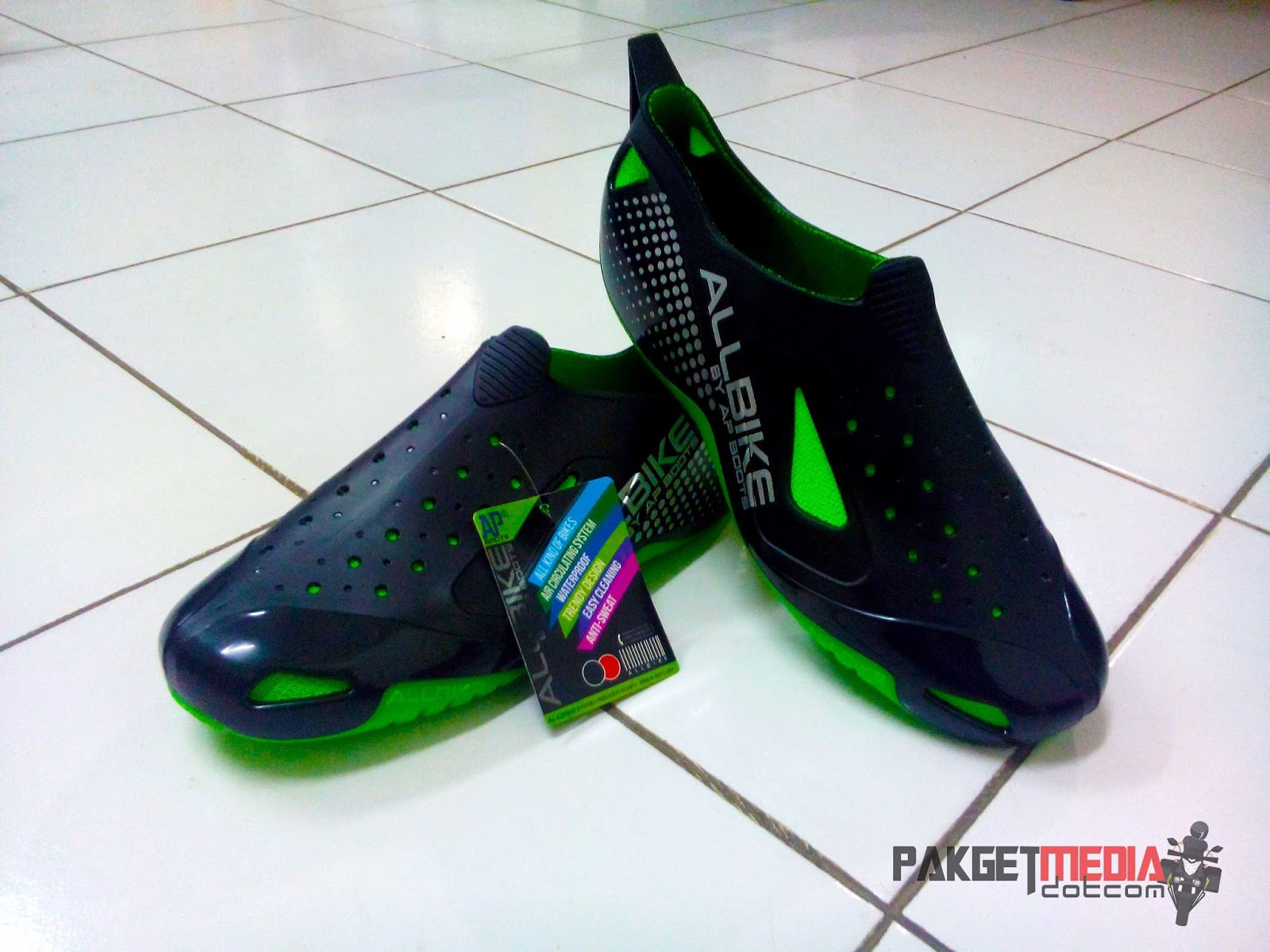 pakgetmedia  Review Sepatu Ap Boots Moto All Bike Green 42f2705b3b