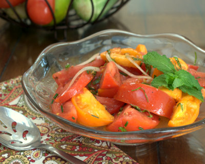 Marinated Tomatoes, another simple summer salad ♥ AVeggieVenture.com. Vegan. Gluten Free. Weight Watchers Friendly. Low Carb.