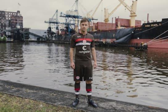 FCザンクトパウリ 2018-19 ユニフォーム-ホーム