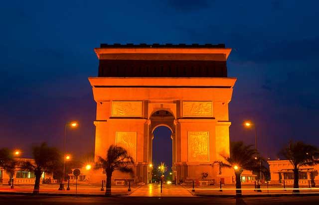 Simpang Lima Gumul tak kalah eksotis dengan Monumen Arc De Triomphe, Paris