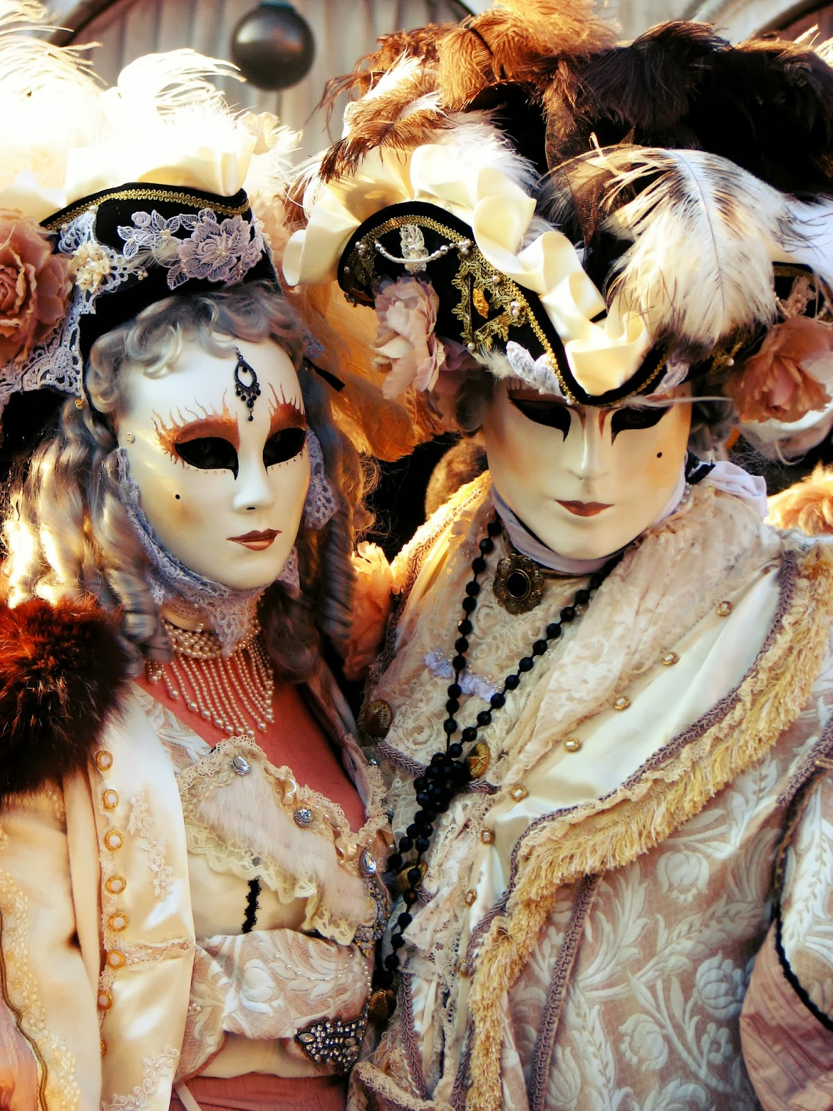 http://s-fashion-avenue.blogspot.it/2014/03/carnival-in-venice-part-2.html