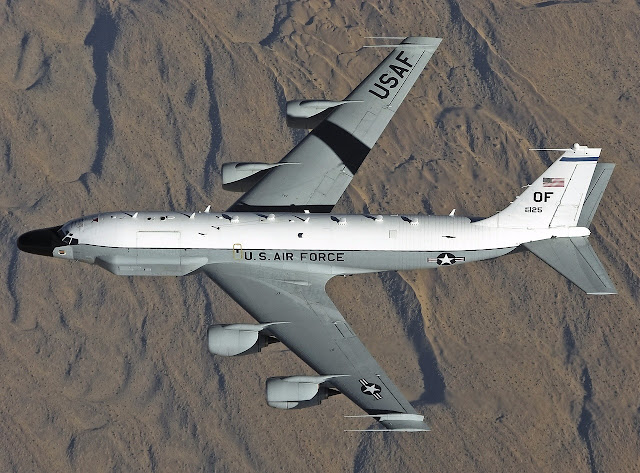 boeing rc-135w top view