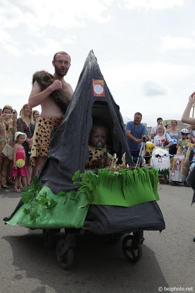парад колясок фото