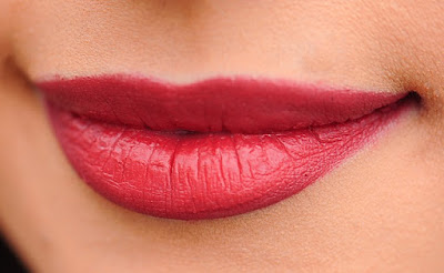 10 Most ideal Approaches To Wear Dim Lipstick