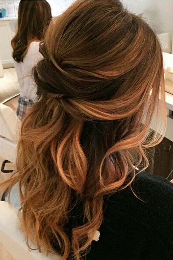 Glorious Loose Hairstyle for Holiday Time