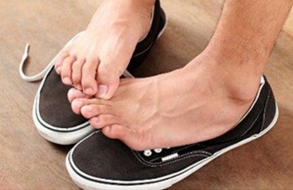 Tips dan Cara Menghilangkan Bau Kaki
