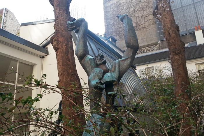 Monument à la ville détruite de Rotterdam sculpture en Bronze musée Zadkine Paris