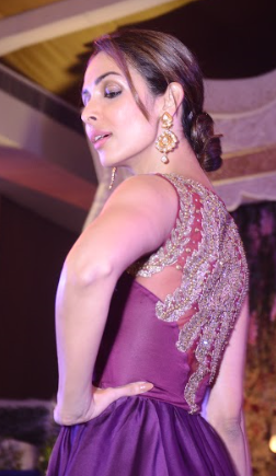 Malaika Arora Khan Lights Up The Ramp for Varun Mittal Of Tirupati Jewels