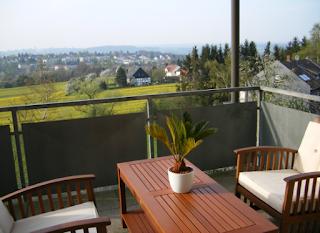 Desain Indah Balkon - Balkon Yang Ada Di Dalam Rumah Minimalis