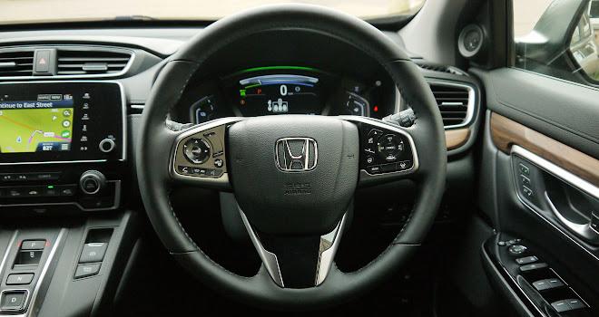 Honda CR-V Hybrid driver view
