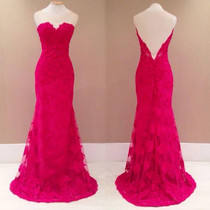 Vestido tomara que caia de renda pink com tule