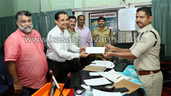 Flood, Heavy Rain, Kasargod Janamaithri Police, Zain motor's help for Flood affected peoples
