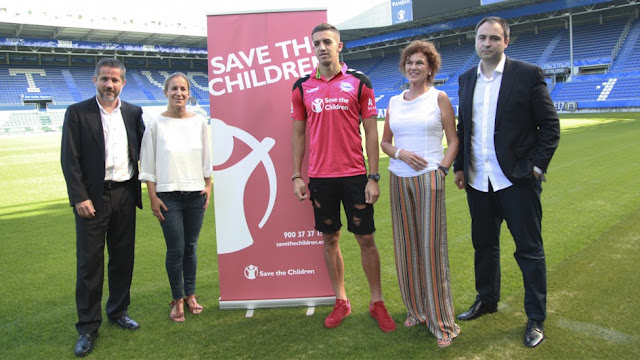 El Alavés y Save The Children luchan contra la pobreza infantil