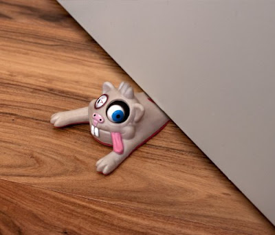 Creative Doorstoppers and Unusual Doorstops (15) 10