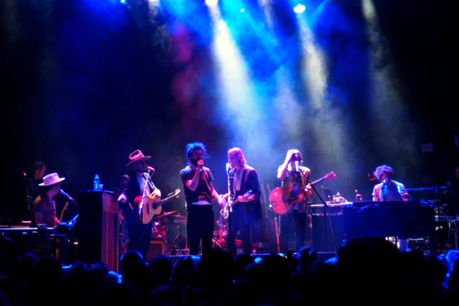 Edward Sharpe and the Magnetic Zeros London show 2016