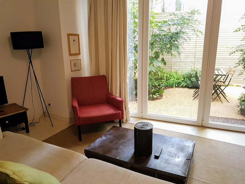 住宿公寓,客廳以及私人花園