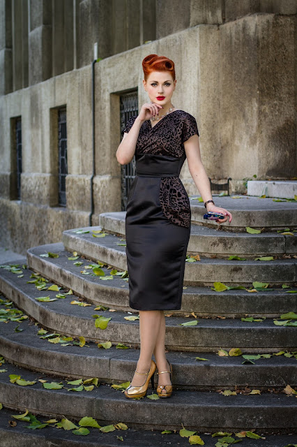 Sophisticated Autumn in Jezebel dress