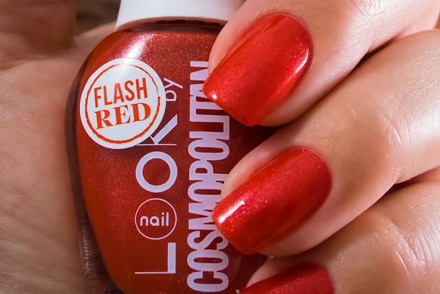Naillook by Cosmopolitan 3144 Mat Red macro