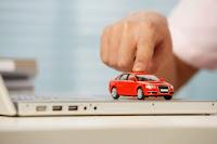 I consumatori risparmiano utilizzando i siti comparatori di polizze auto