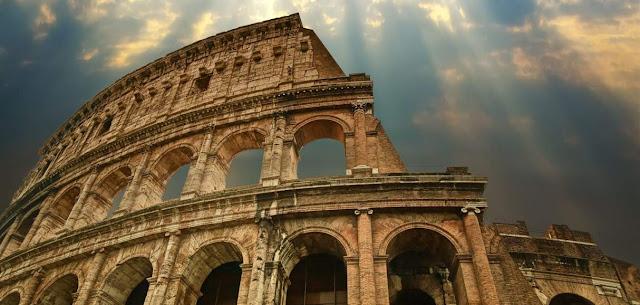 Derecho civil, de gentes y natural romano