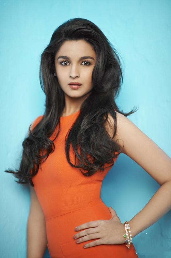 Alia Bhatt Latest Hot Pics 2013