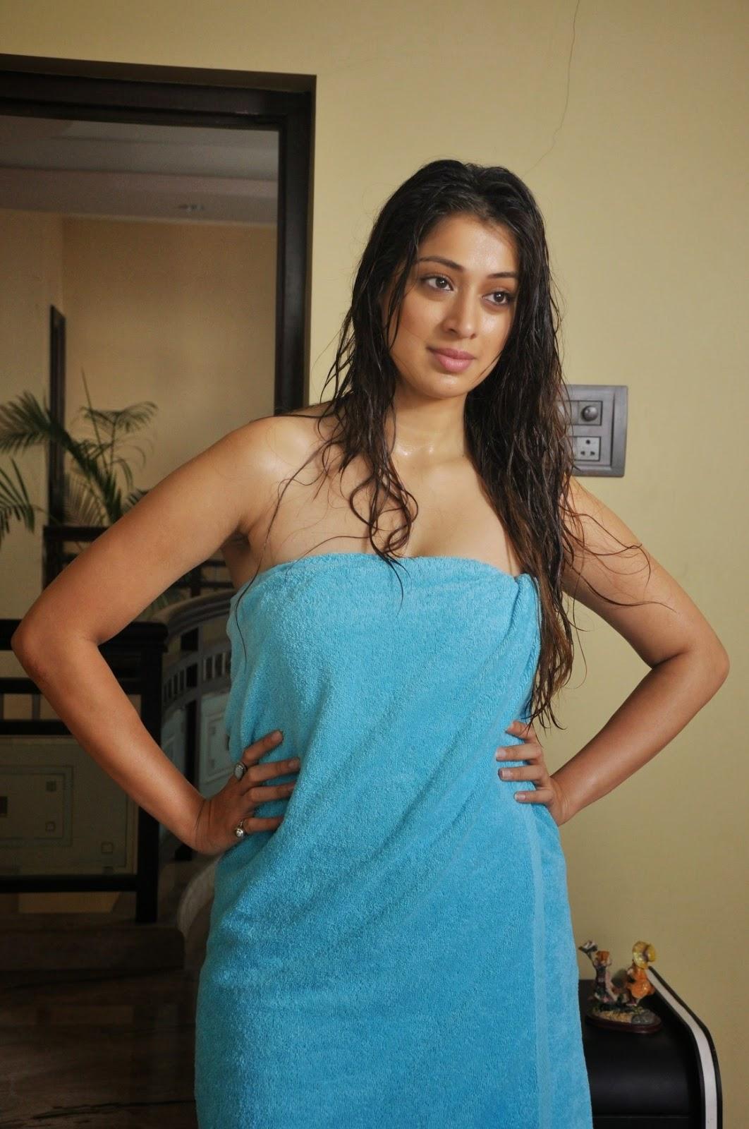 actress lakshmi rai nude photos
