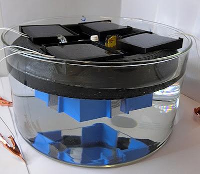 La plataforma solar flotant que produeix combustible d'hidrogen