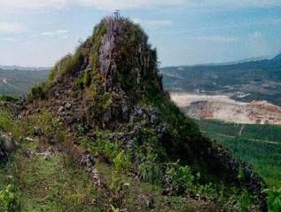 http://www.teluklove.com/2016/11/pesona-keindahan-wisata-gunung-pencu-di.html