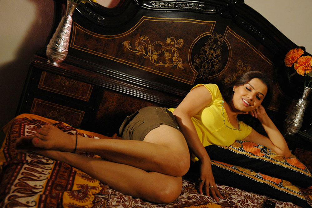Madhu sharma latest hot photos stills gallery