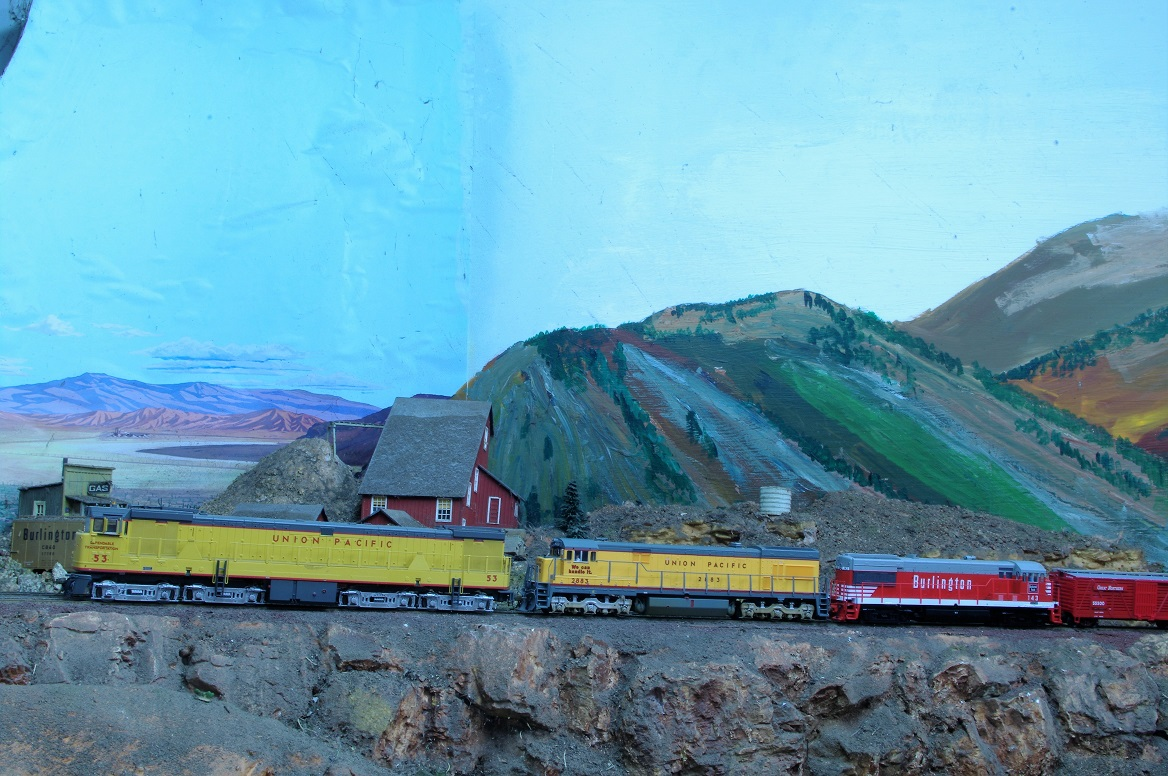 Model Railroad Miscellany Flashing Light Circuit 1 At The Head Of Train Are Several Stock Cars Headed To Chicago