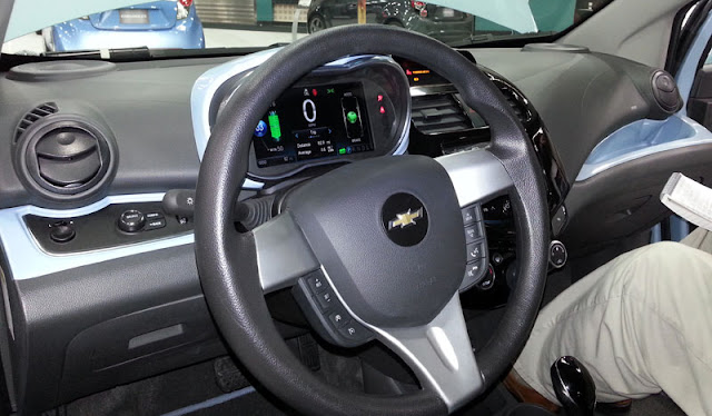 2014 Chevrolet Spark EV dashboard