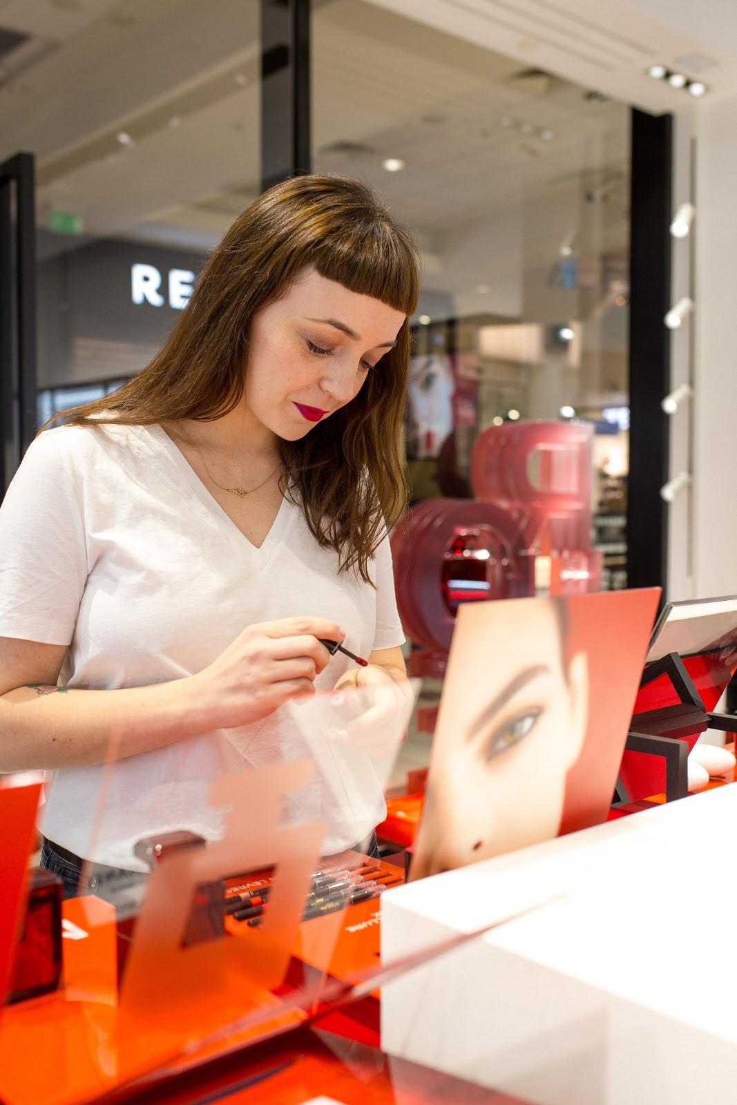 022e51771e408 Moja wizyta w butiku miała jeszcze jeden cel: francuski makijaż. Miejsce do  jego wykonania najlepsze z możliwych, prawda? Oprócz zdjęć tym razem mam  dla Was ...